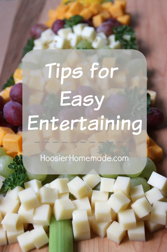 Tips for easy holiday entertaining including free party planning and holiday menu planning printables