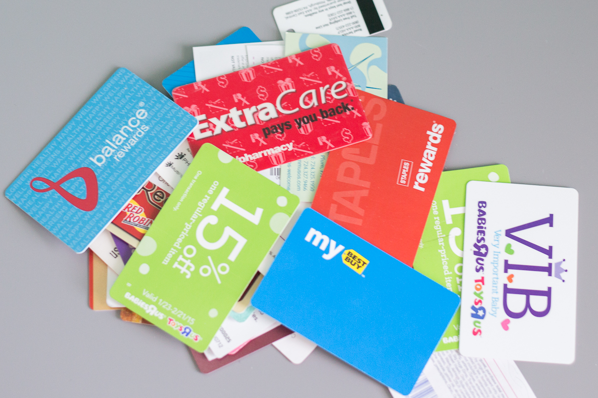 Store credit cards are a great way to earn discounts or rewards at your favorite retailer. Store cards typically offer points or cash back for purchases made at certain stores or with a certain brand, and may come with perks like free shipping or access to other exclusive benefits.