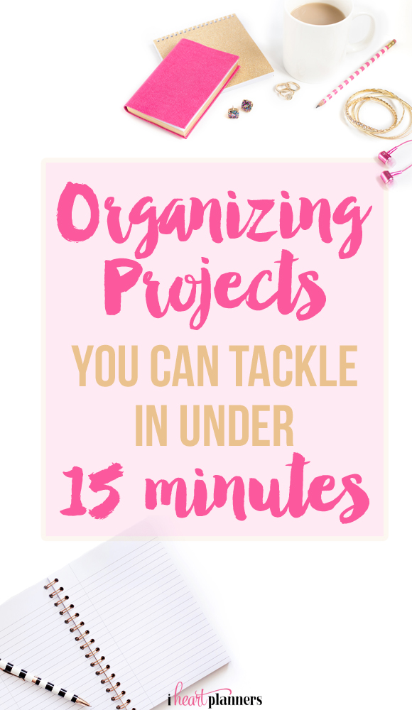 Do you ever feel like you don't have time to get organized? In the ideal world, perhaps we would have entire free afternoons to devote to completely overhauling our closet, our revamping our paper files, or reorganizing the toys. The good news is that you an accomplish a lot in just 15 minutes!