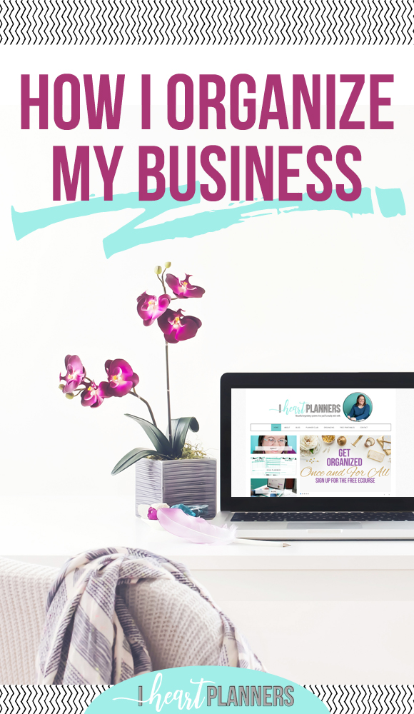 How I organize my entire blog and business. I still love my pen and pretty printables for organizing my home and day to day, I've discovered this AMAZING digital organizing tool called Asana that helps me run my business more like the well oiled machine that I want it to be.