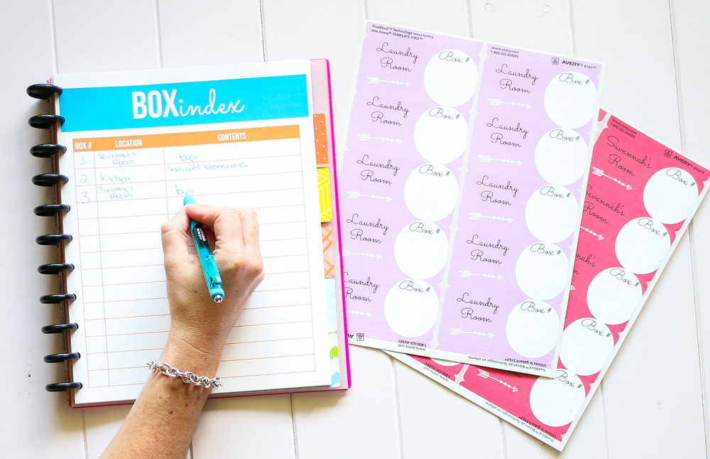 I'm sharing some of my best moving tips in this moving checklist. I give a tour of my moving binder so you can have a stress free move. I show you how to have an organized move.