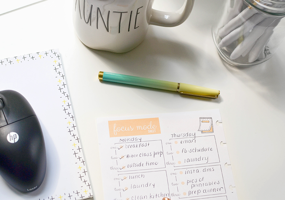 Feeling overwhelmed? Plan a day out to avoid stress! Creating a daily planner, listing all of your to-do's and appointments is key to living a happy, stress free life.