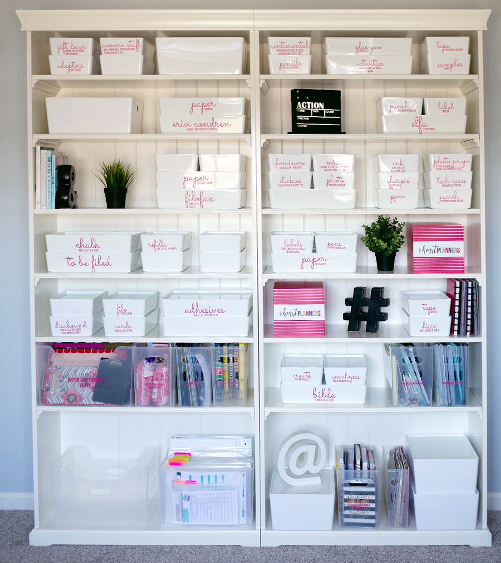 Here's how I organize my office shelves. I know office shelves organization can be tricky, but I think I've found the perfect way to organize all those office accessories. I love working in my home office since the shelves are organized and pretty.
