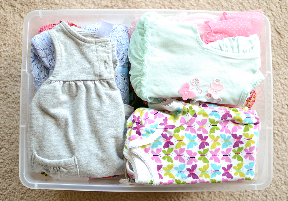 Some great tips and ideas for how to store seasonal clothes - for both kids and adults to avoid closet clutter.