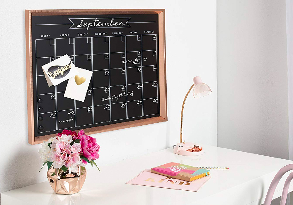 Are you looking for the perfect gift for the planner girl in your life? This Ultimate Planner Girl Gift Guide will help you. Get yourself something too.